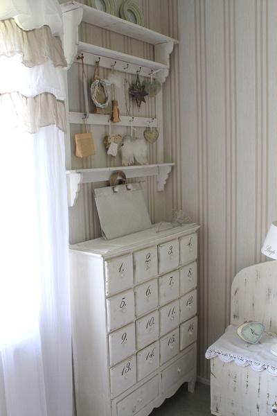 makuuhuone,romanttinen,maalaisromanttinen,vaalea,vaalea sisustus