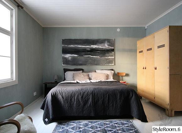 makuuhuone,parivuode,päiväpeitto,sisustustaulu,puukaappi