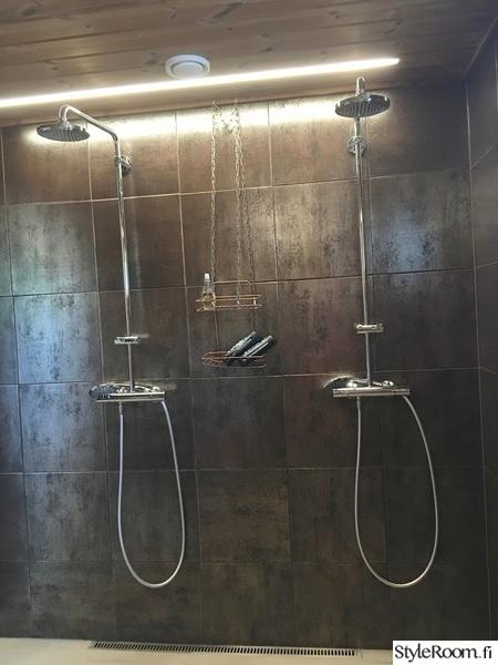 kylpyhuone,suihku,seinälaatta,ruskea,kupari