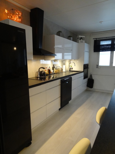 Musta keittiön taso koti ja sisustusideat  StyleRoom