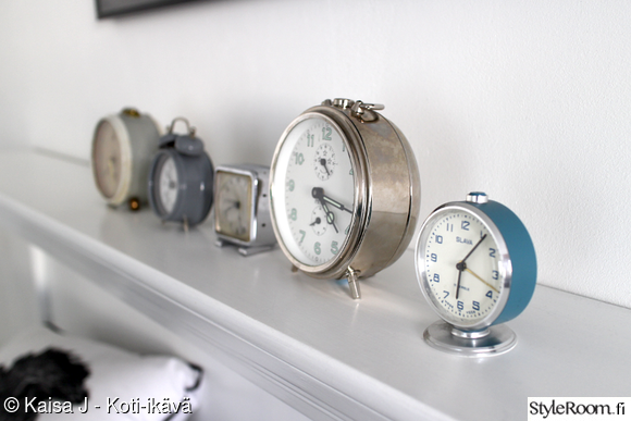 kirppislöytö,kirppislöydöt,kellot,herätyskello,vanhat tavarat