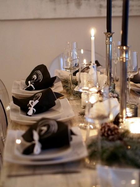 Kuva keittiö  Joulun ja uudenvuodenaaton talvinen kattaus  ninasdecor