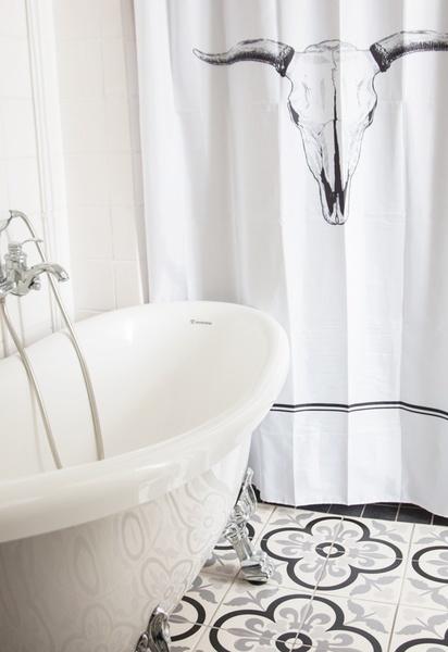 kylpyhuone,kylpyhuonekalusteet,suihkuverho,tassuamme