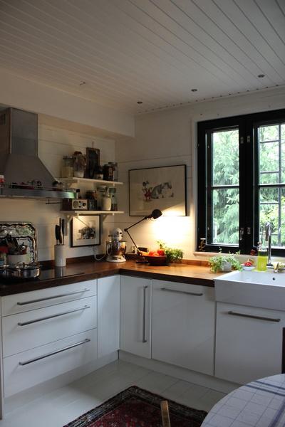 työvalo,jieldé-lamppu,keittiö,keittiön tasot,valkoinen