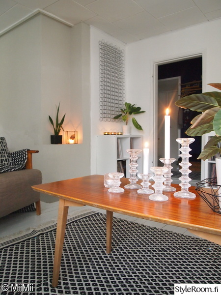 kynttilät,festivo-kynttilänjalat,olohuone,olohuone sisustus,olohuoneen matto