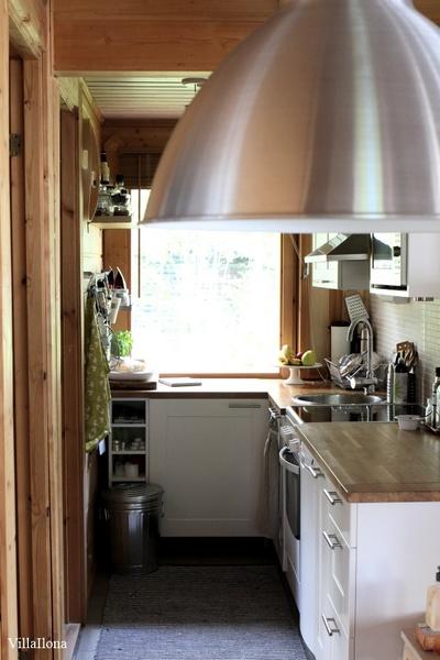Bild på keittiö  Mökillä av Liina