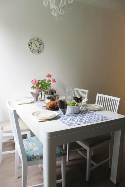 Mustavalkoinen pöytäliina koti ja sisustusideat  StyleRoom