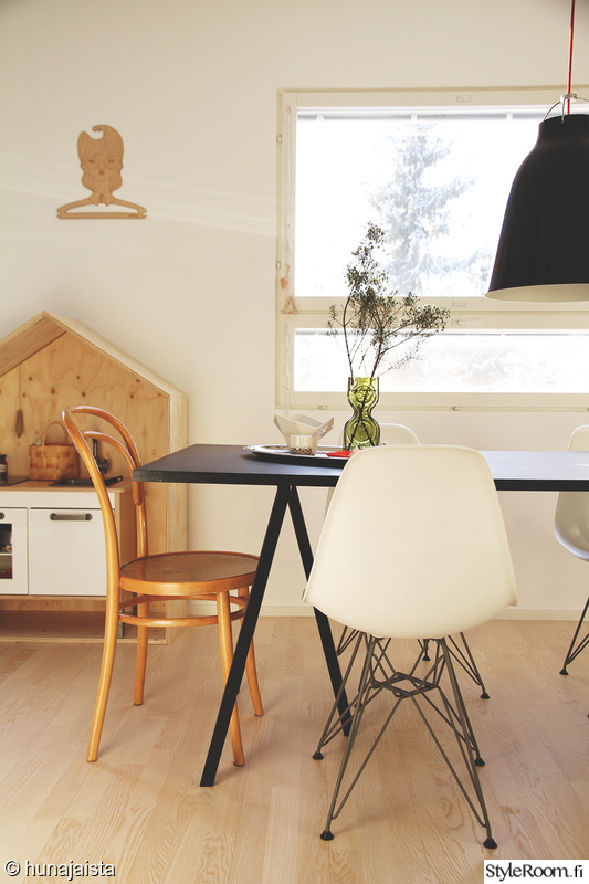 vitra,eames,hay,loop stand,luona in