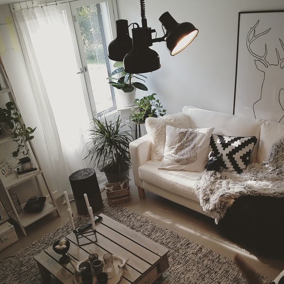 livingroom,black and white,deer,wood,ikea