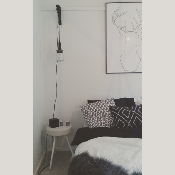 bedroom,makuuhuone,black and white,betoni,concrete